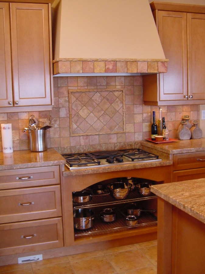 Gas cooktop in lower counter