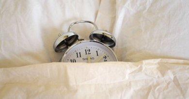 Чем опасна привычка досыпать по выходным