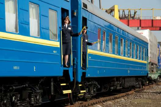 Укрзализныця восстановила движение поездов после аварии