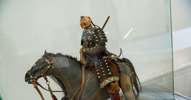 Монголия получила от России копию Чингисова камня
