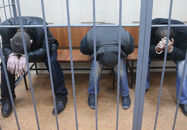 Таджикистан сбагрил в российские «зоны» 10000 уголовников