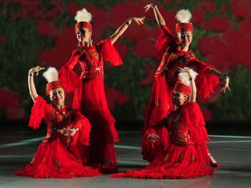 Участник «Яллы» и казахский певец подрались на свадебном тое