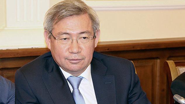 Казахский дипломат обокрал родной МИД на 0000