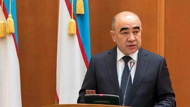 Мирзиеев выгнал вице-премьера за «арык позора»