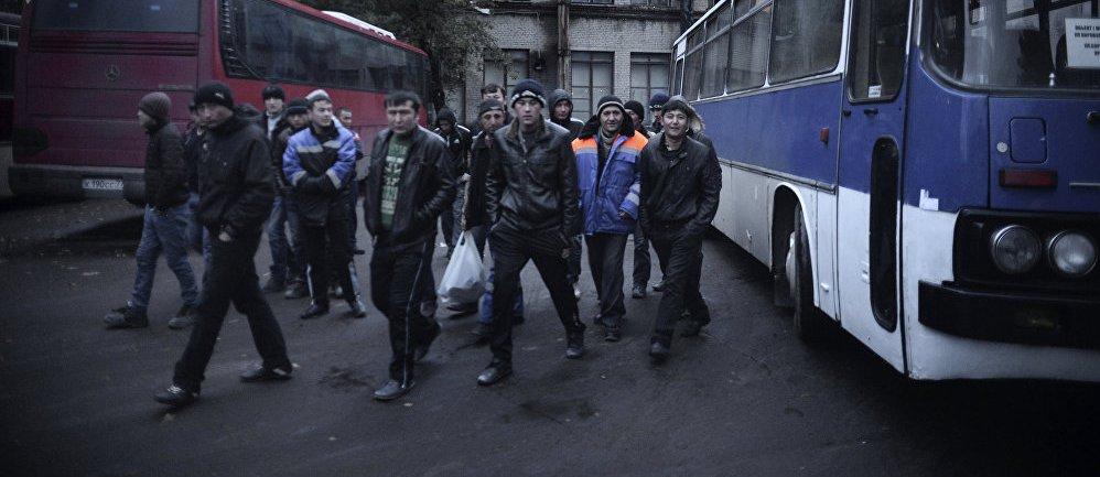 Гастарбайтерам упрощают отъезд в Россию