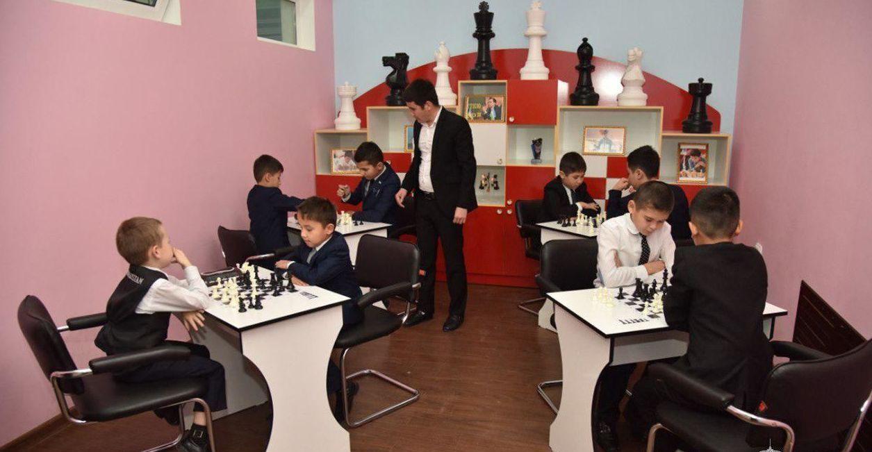 Мирзиеев призвал беречь психику школьников