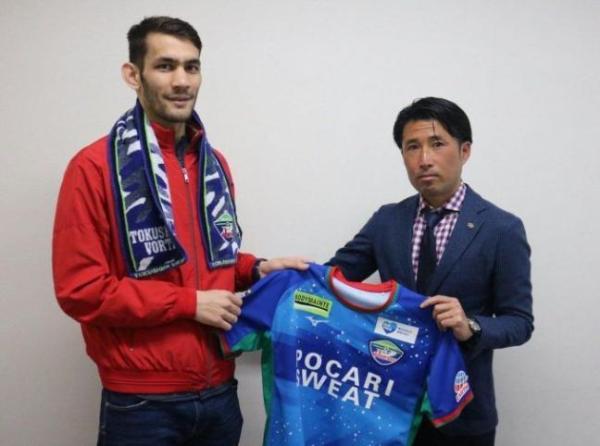 Узбекский форвард перебежал в японский клуб