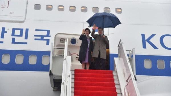 Глава Южной Кореи улетел из Узбекистана