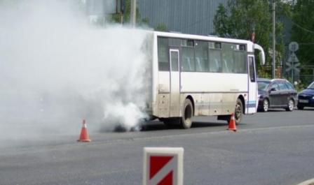 На трассе Самарканд-Бухара сгорел «Исузу»