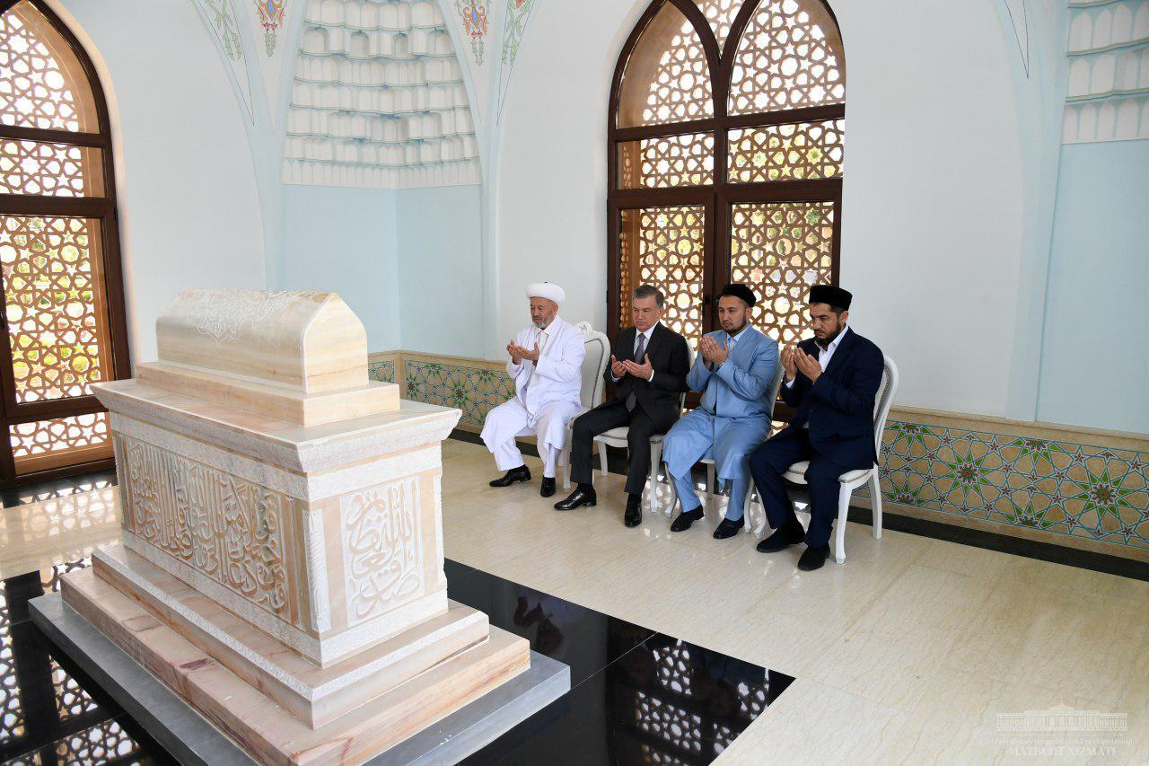 Мирзиеев открыл новую мечеть в Ташкенте