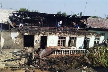 Три частных дома сгорело из-за детской шалости в Андижане