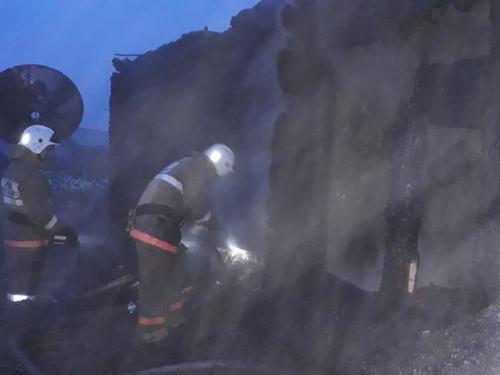 Глава района спас 11-летнюю девочку из пожара