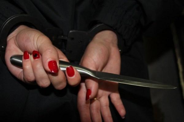 17-летняя узбечка зарезала пристававшего парня
