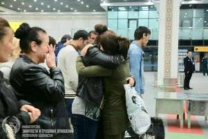Узбекских гастарбайтеров возвращают домой