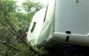 В Грузии микроавтобус упал в пропасть: 17 пассажиров погибли