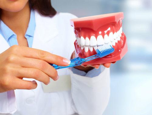 Как грамотно чистить зубы