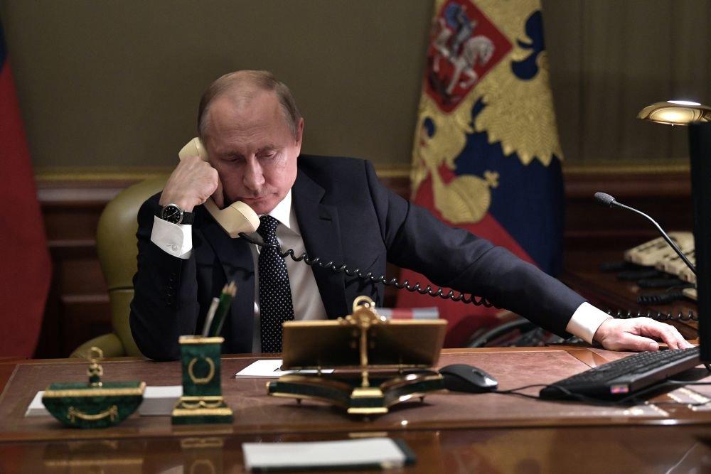 Песков посчитал своего шефа трудоголиком