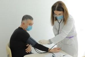 Нехватку узбекско-китайской вакцины ZF-UZ-VAC2001 объяснили в мининноваций