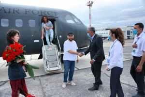 Российский и голливудский режиссер Тимур Бекмамбетов прибыл для паломничества в Бухару