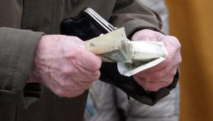 Пенсии и пособия повышают в Узбекистане
