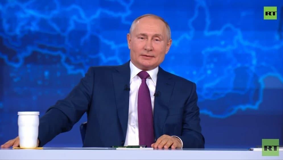 Путин отказался восстанавливать СССР