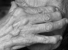 Пенсионер зарезал в ходе ссоры 58-летнюю сестру в Бухарской области
