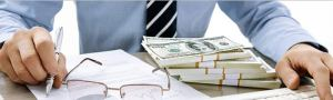 Два сотрудника украли  тыс из кассы банка в Ташкенте