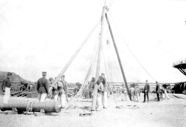 Affuit hijsen op bastion 8 in 1892