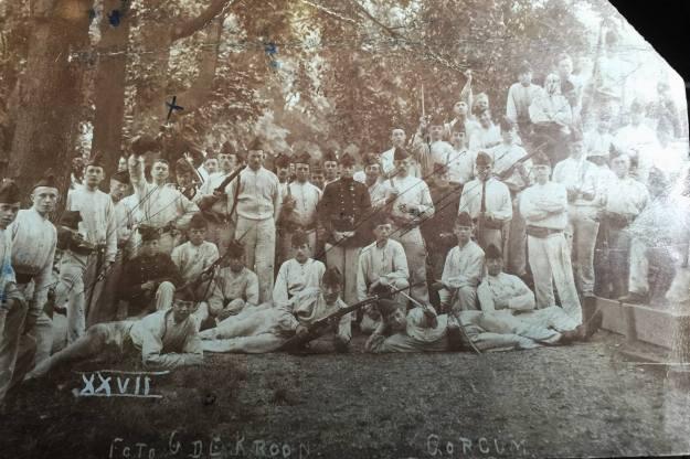 Gorinchem Soldaten op Basion X (Foto de Kroon) 1903 (2)