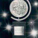 Статуэтка победителей Tony Awards