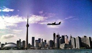 Toronto City and airplane