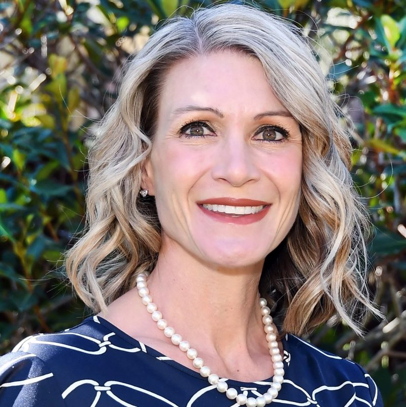 """Dr. Kendra Lowe Air Force Veteran, Military Spouse and Author of """"Wake Up, Kick Ass, Repeat"""""""