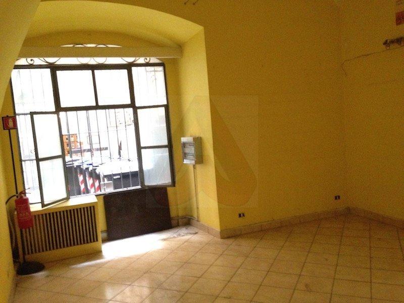Affitto locale commerciale c1 rione i monti for Affitto roma locale