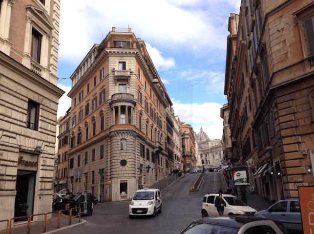 (Proposto da Alessandro  Simone) OTTIMO INVESTIMENTO IMMOBILIARE S.M.MAGGIORE ROMA