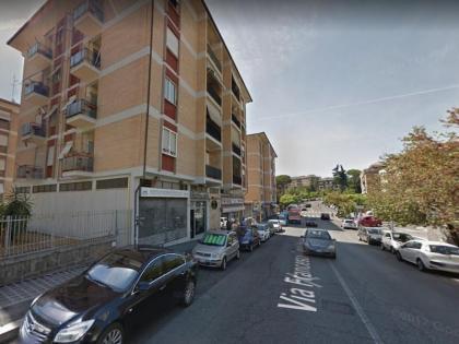 Roma Nuovo Salario   Affitto negozio 110 mq su 2 livelli