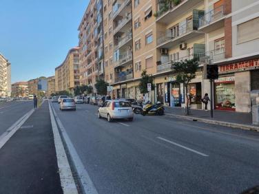 LOCALE COMMERCIALE IN LOCAZIONE ROMA