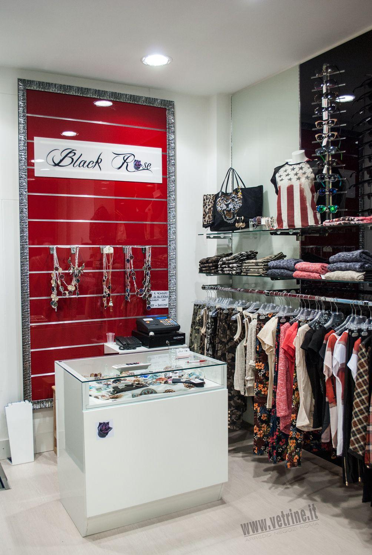 Arredo negozio abbigliamento  Black Rose Abbigliamento Donna