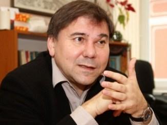 Иван Кръстев