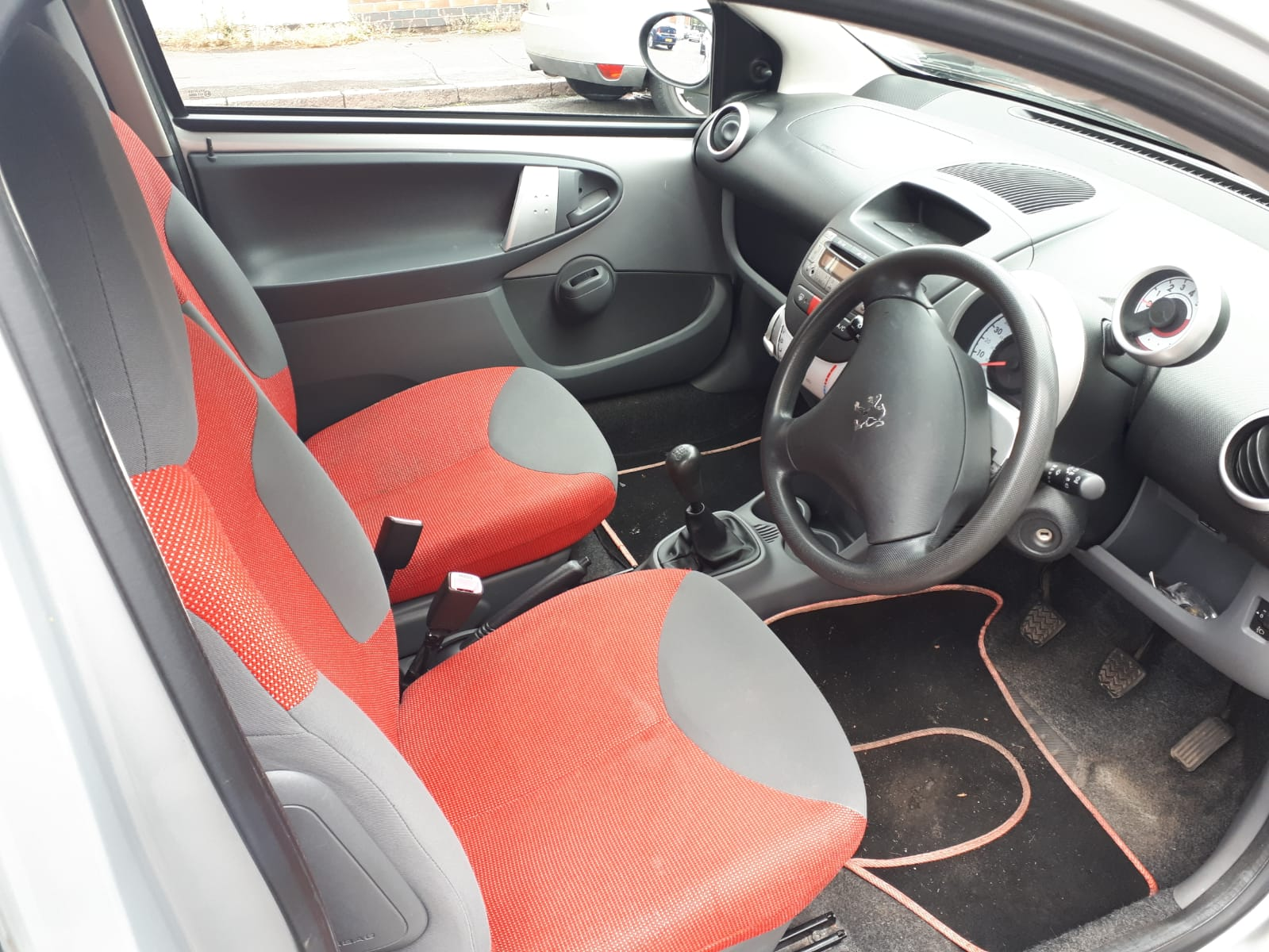 Peugeot Urban - used car for sale - interior