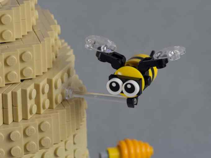 lego bee by the quinten