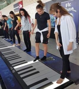 Initiation au piano géant Big piano VGB EVENT Lyon France