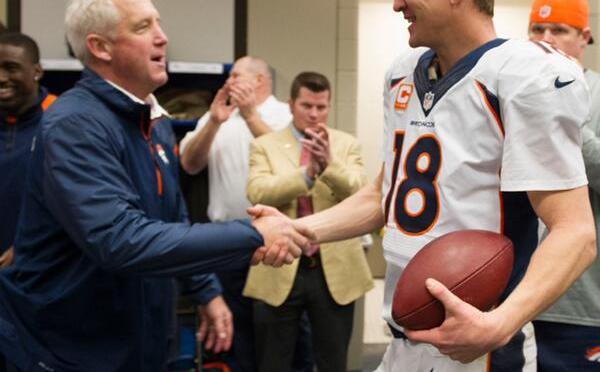 Manning se roba el fin de semana y hace historia