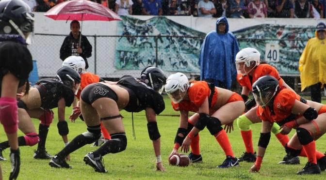 Dark Angels vence a Mermaids en el arranque de la Liga de Bikini Football Phoenix