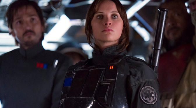 """<span class=""""entry-title-primary"""">11 Curiosidades de la producción de Rogue One: Una Historia de Star Wars</span> <span class=""""entry-subtitle"""">¡Construyeron todo el set de Yavin 4 que medía 106 x 60 m!</span>"""