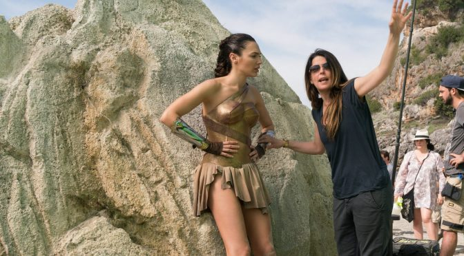 "<span class=""entry-title-primary"">Que siempre no, Patty Jenkins aún no firma para Wonder Woman 2</span> <span class=""entry-subtitle"">Aparentemente las negociaciones comenzarán ""pronto""</span>"