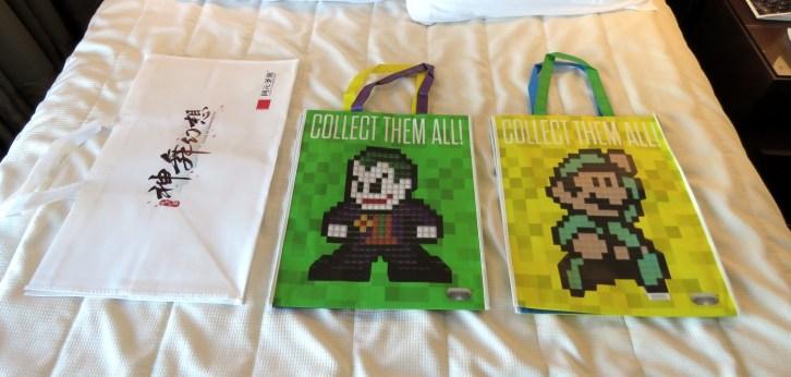 E3-2017-Swag-Bags-4