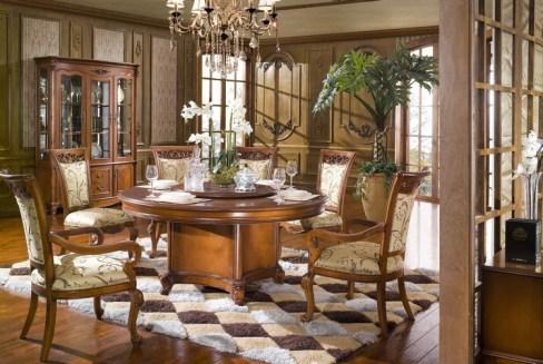 kruglyj stol v interere gostinoj13