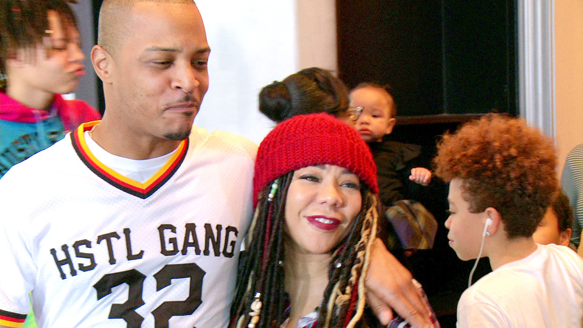 T.I. And Tiny Get The Whole Family Together - T.I. & Tiny: The Family Hustle (Video Clip) | VH1