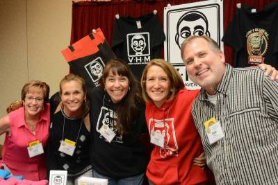 Lisa Arnold, Lynn Trefzger, Annie Roberts, Lisa Sweasy, and Dan Horn at the Vent Haven Museum table