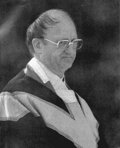 Pfarrer Viktor R. Knirsch, Kahlenbergerdorf